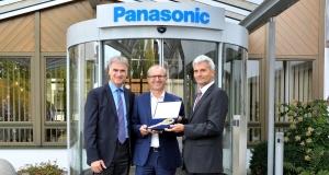 Schlüsselübergabe Panasonic-Eckpfeiler