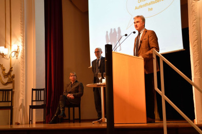 Bürgermeister Olaf von Löwis bei der Begrüßungsrede