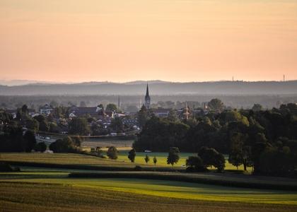 Sonnenuntergang über Holzkirchen