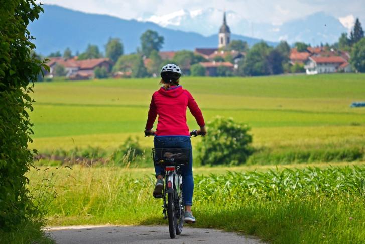 Radfahren in Holzkirchen. Credit: Florian Liebenstein