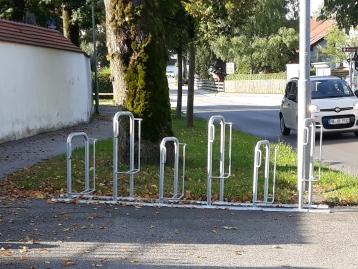 Radständer am Friedhof Hartpenning