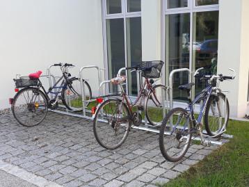 Radständer hinter dem Rathaus