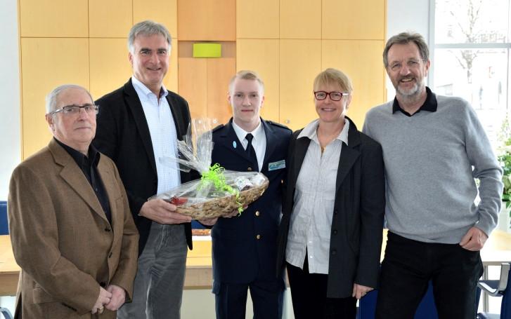 Ehrung Felix Remuta. Credit: Markt Holzkirchen